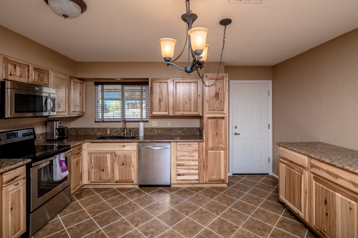 Updated Kitchen Affordable Havasu Home With Updated Kitchen 3505 Offshore Dr