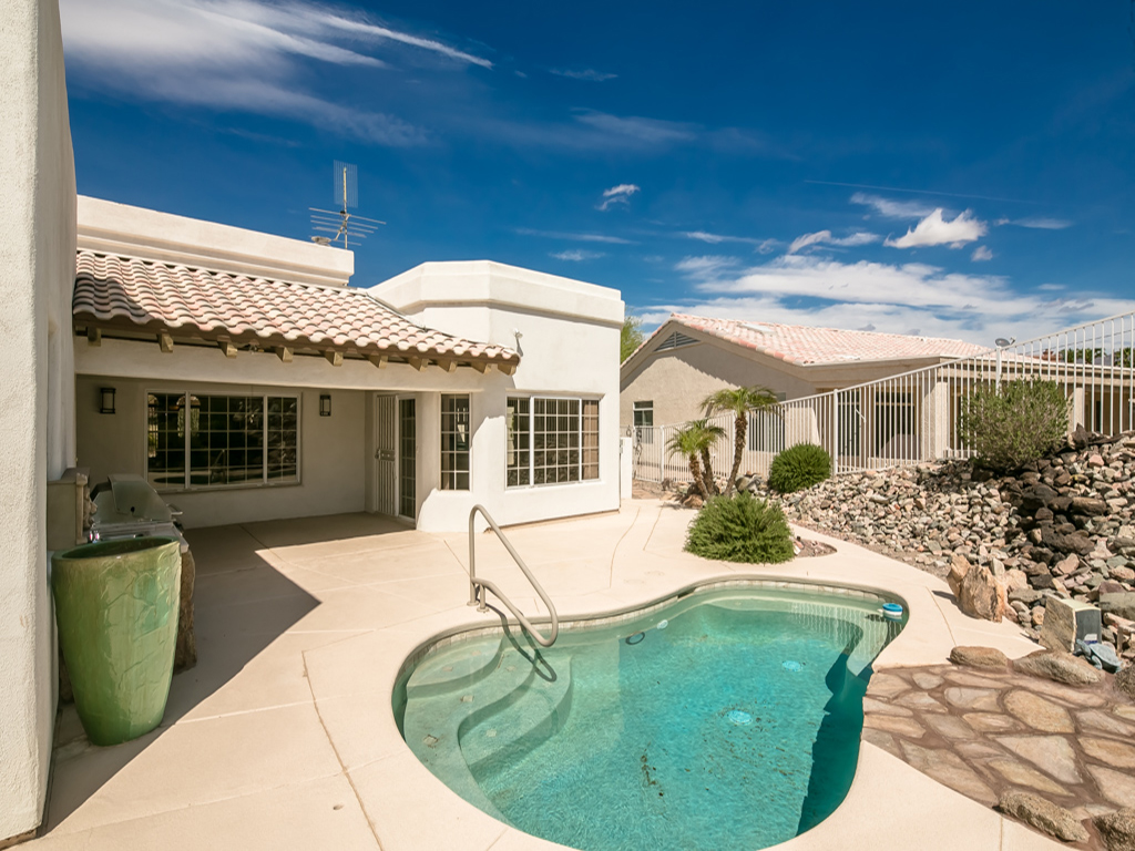 Lake havasu pool homes for sale 1840 cabana dr for Houses for sale pool