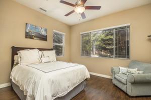 17_Bedroom2